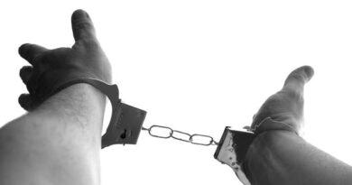 21-latek zatrzymany za kradzież rozbójniczą