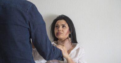 Stanowcza reakcja policjantów wobec sprawcy przemocy domowej